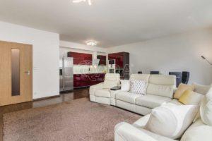Prodej bytu 4+KK (119 m2 ) s balkónem, sklepe a parkovacím stáním, Pod Harfou, Praha – Vysočany