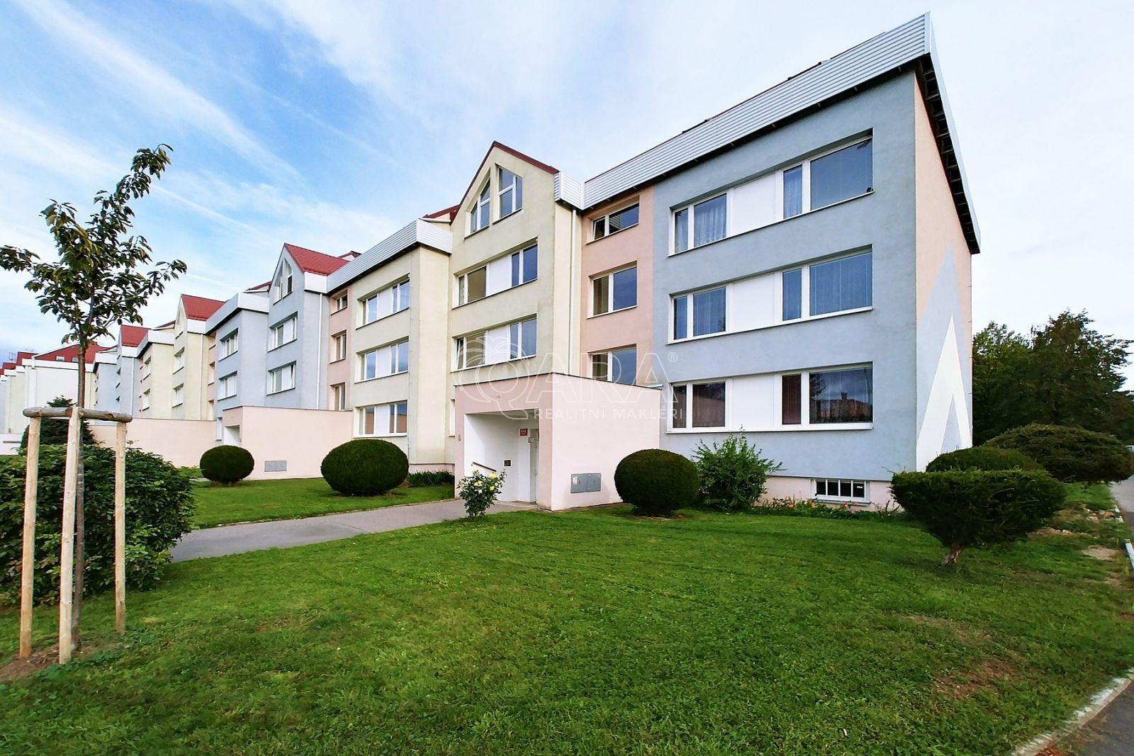 Prodej bytu 5+kk/T, 119 m2, Praha 9 – Újezd nad Lesy, 3. patro, mezonet