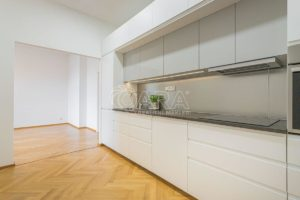 Pronájem bytu 2+kk 60m2 na Vinohradech, kousek od metra Flora