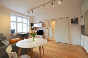 Světlý a prostorný byt 2+kk s balkonem, 58m2, k dispozici zahrada u domu