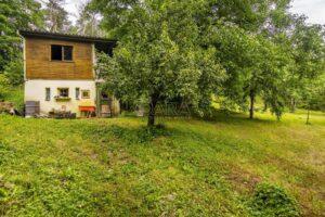 Rekreační chata s pozemkem 1294m2 v Lysolajích